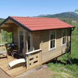 Romantična lesena hišica